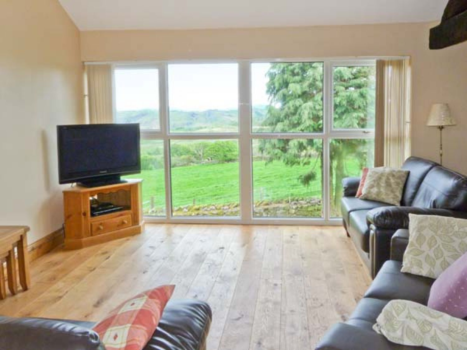 Valley View in Duddon Valley near Broughton-in-Furness - sleeps 8 people