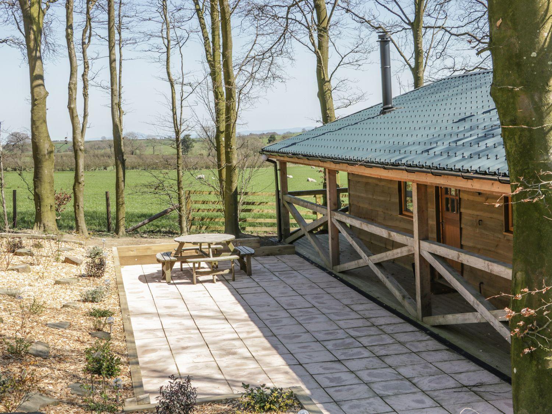Valley View Lodge in Welshpool - sleeps 4 people