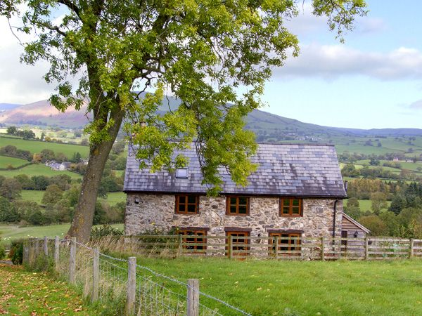 View Point Cottage in Pedairffordd - sleeps 4 people