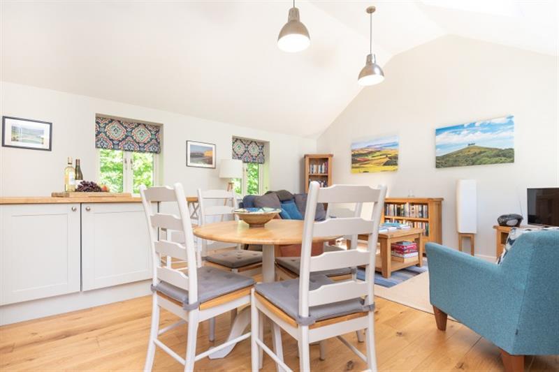 Vine Cottage in Netherbury - sleeps 4 people