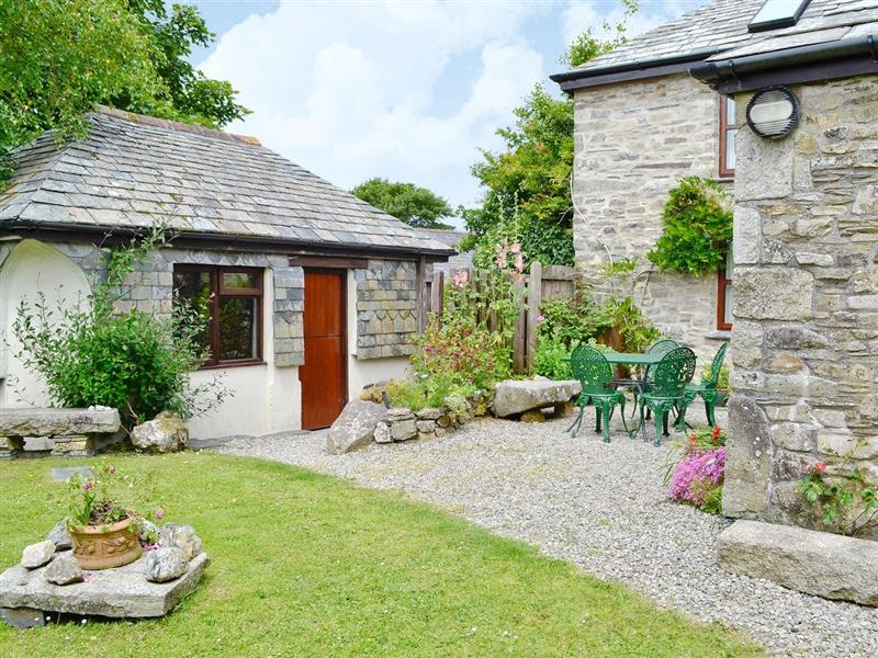 Well Barn in Tramagenna, nr. Camelford, Cornwall. - sleeps 4 people