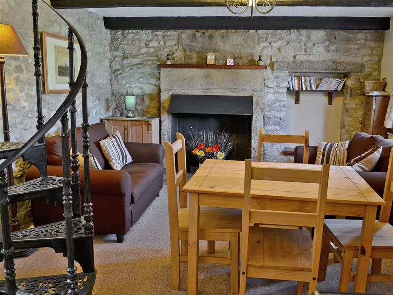 Well Cottage  in Youlgrave, nr. Bakewell - sleeps 4 people