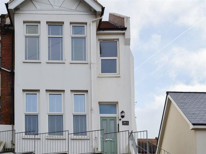 Wellington Gardens in Hastings, Sussex - sleeps 4 people