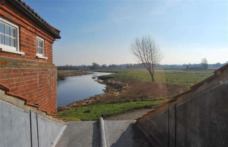 West End Water Mill in Burnham Overy Staithe near Kings Lynn - sleeps 6 people