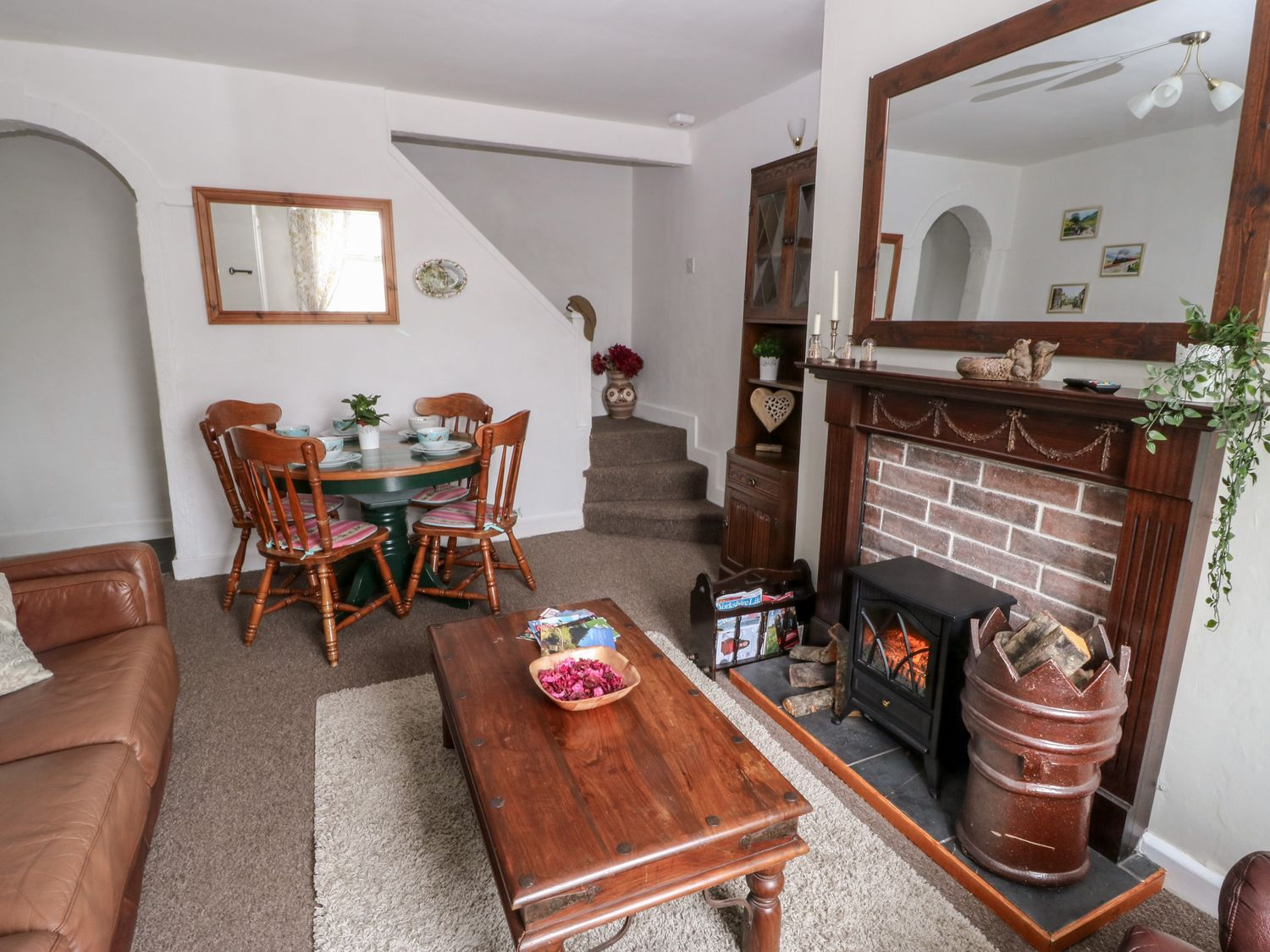 Whinswood Cottage in Keighley - sleeps 5 people