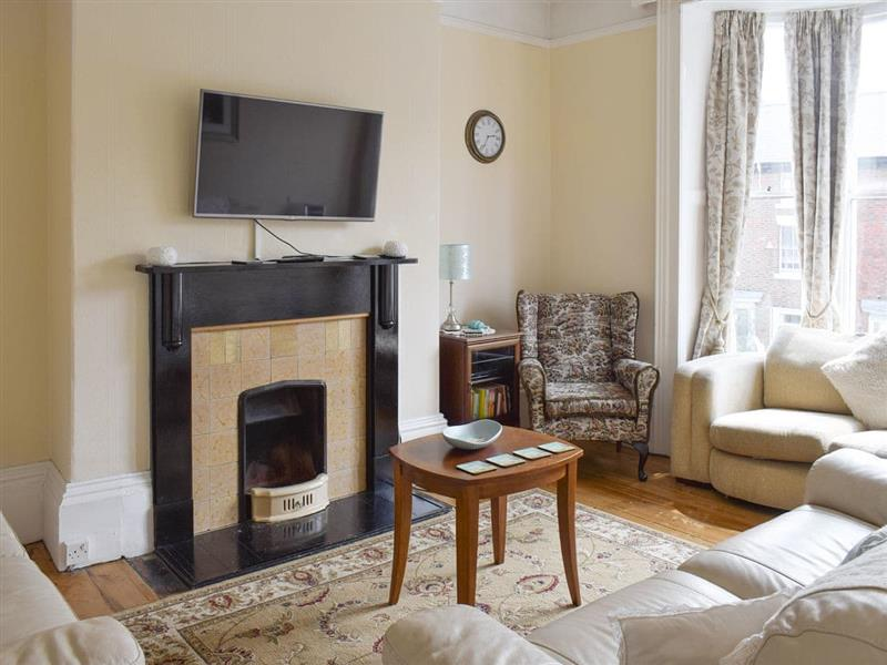 Whitby Calling Cottages - Hidden Treasure in Whitby - sleeps 15 people