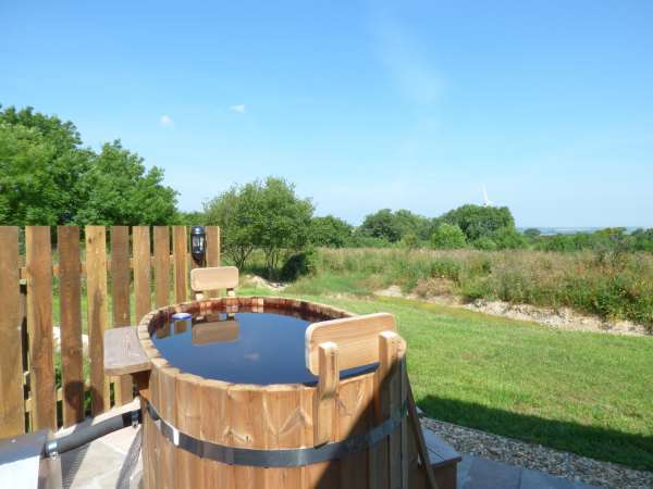 Willow in Burlawn near Wadebridge. - sleeps 2 people