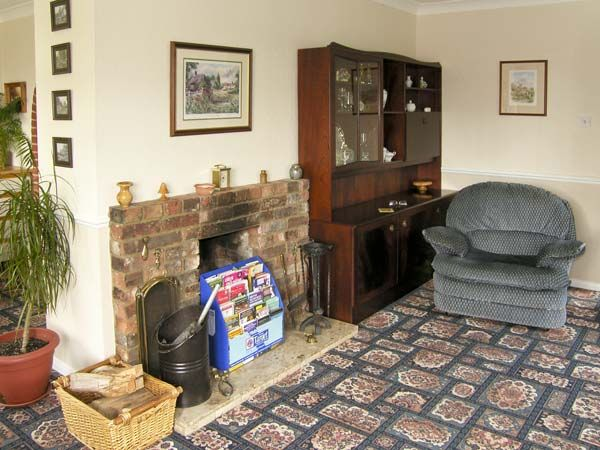 Willow Sunrise in Pott Row - sleeps 6 people