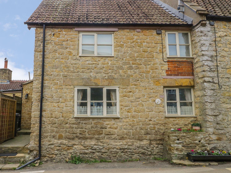 Wills Cottage in Haselbury Plucknett - sleeps 4 people