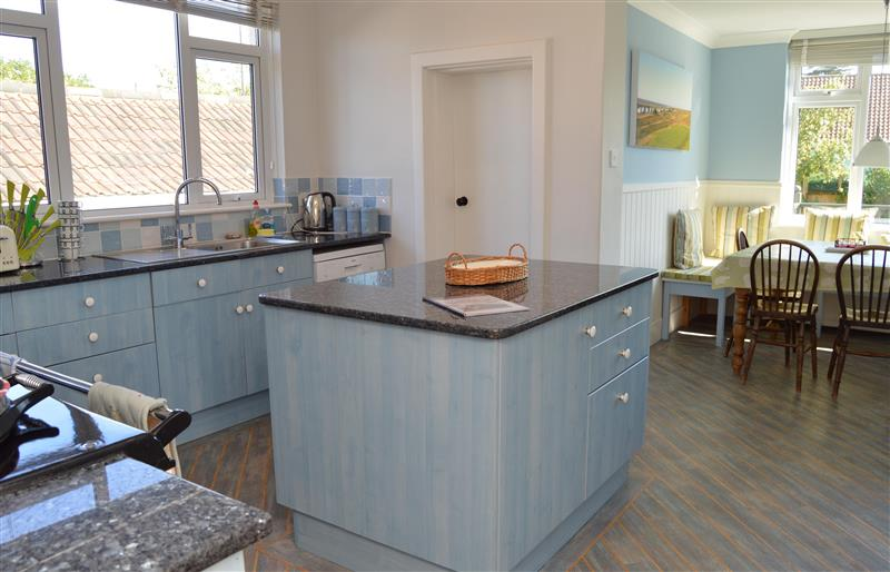 Woodford in Old Hunstanton - sleeps 8 people