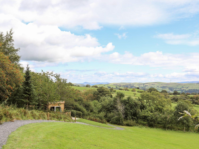 Woodland Pod in Maerdy near Corwen - sleeps 4 people