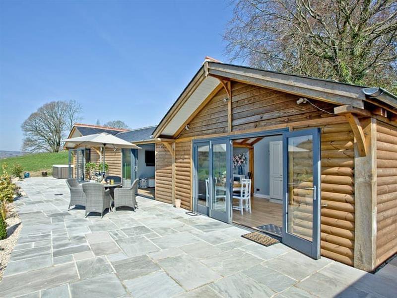 Woodland View Lodge in Axminster - sleeps 4 people
