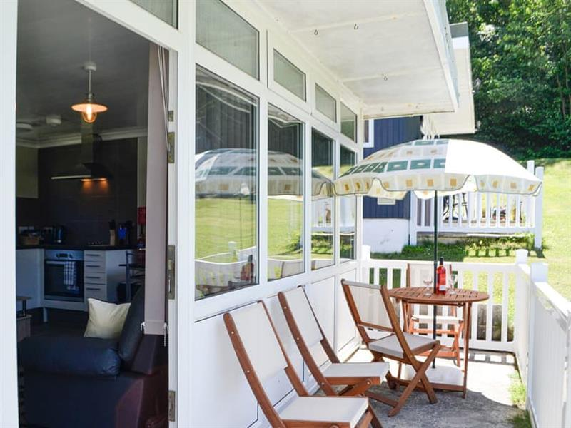 Woodlands Park Retreats - Jonelka in Gilfachrheda, near New Quay, Cardigan - sleeps 4 people