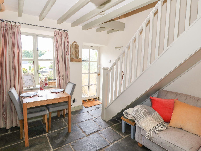 Woodside Cottage in Mold - sleeps 2 people