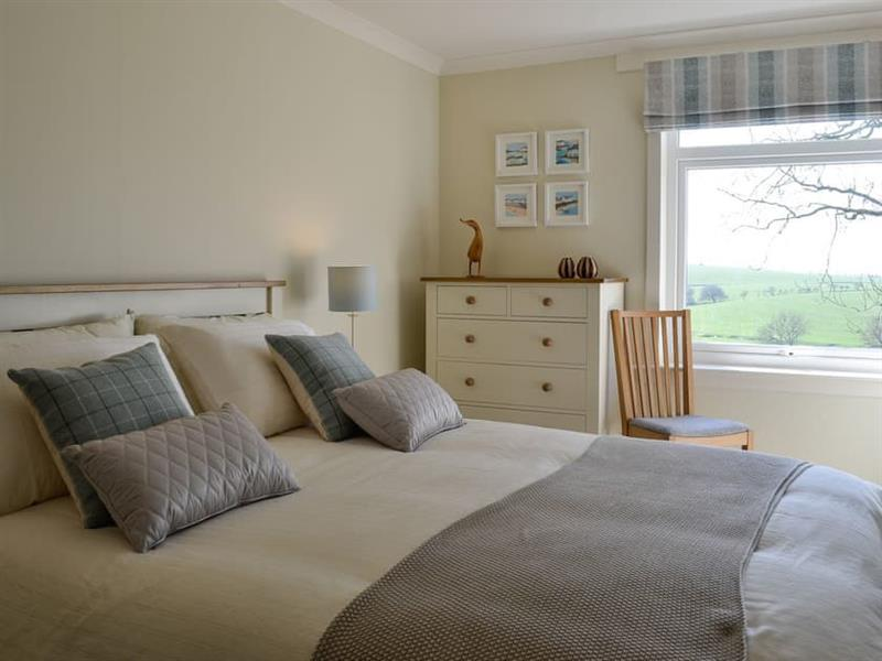 Yonderton Farm - McGill Cottage in Dalrymple, near Ayr - sleeps 6 people