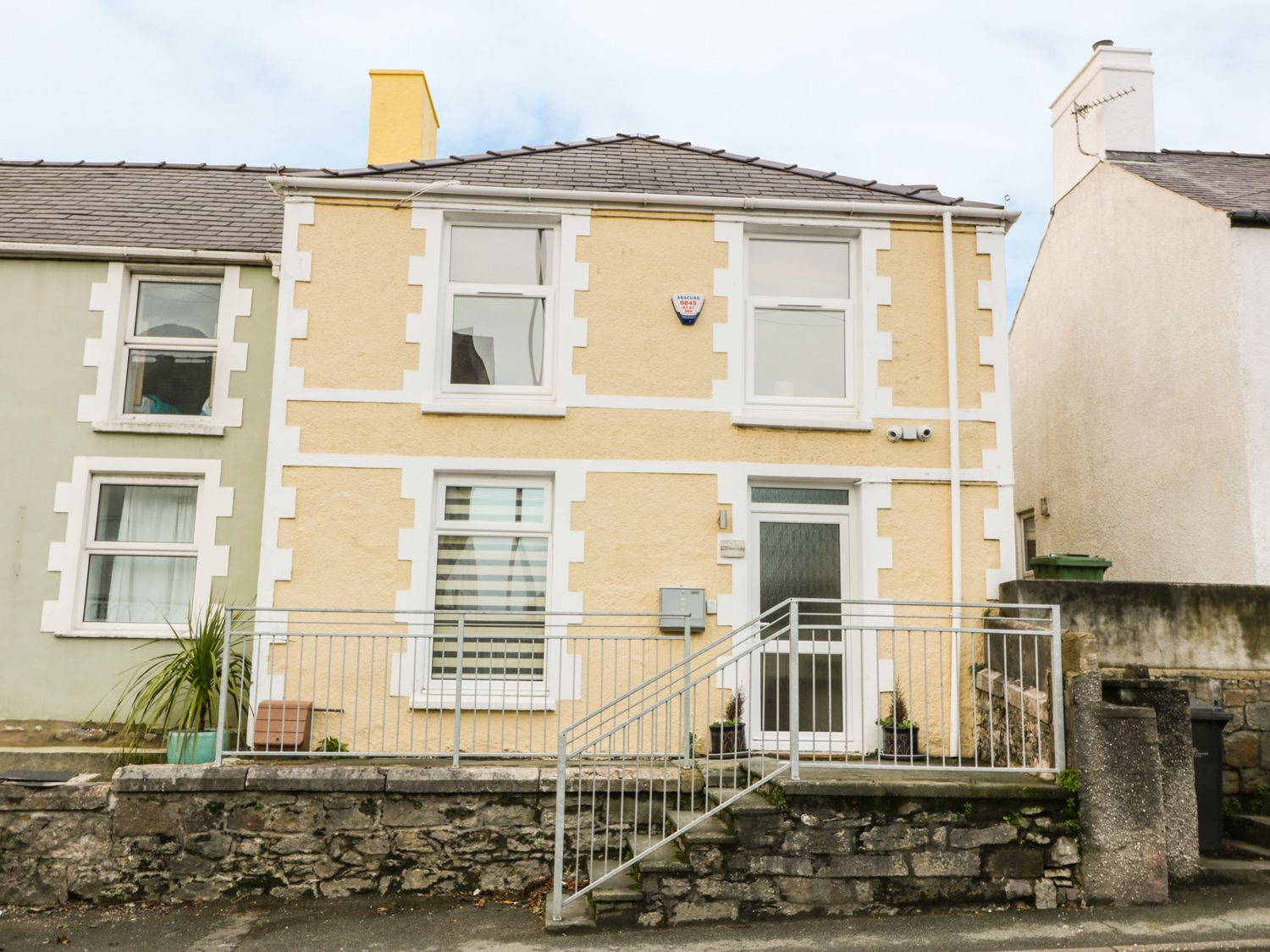Yr Hen Fanc in Benllech - sleeps 6 people